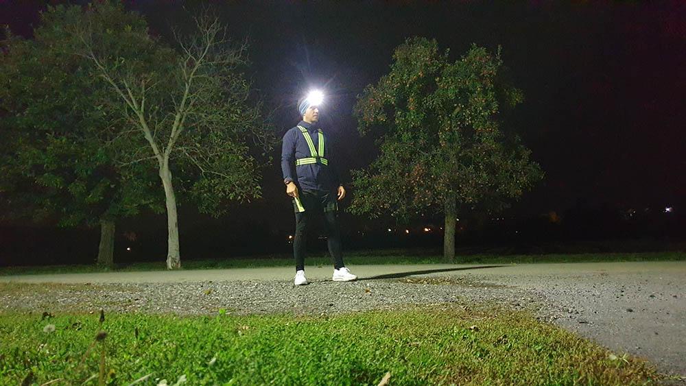 Mann, dunkel, Stirnlampe, Reflektoren, Läufer